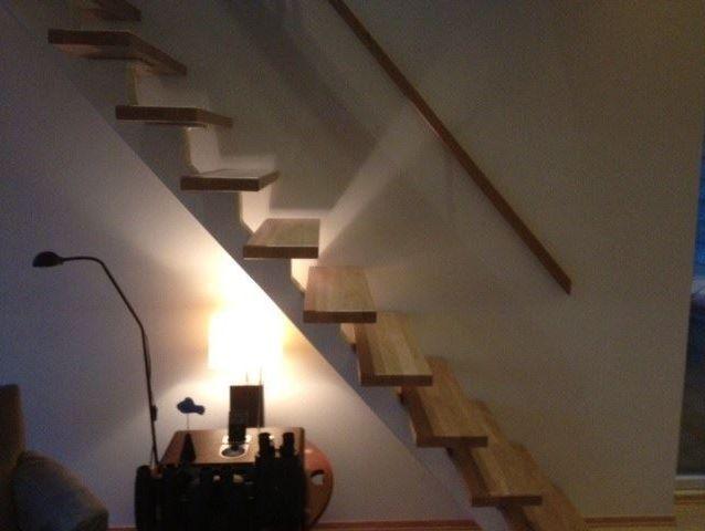 Spesial laget trapp med senter vange.