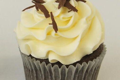 Tuxedo Chocolate Vanilla Cupcake
