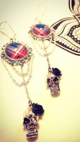 boucles d'oreilles tête de mort, boucles d'oreilles Skull'n'Roses, Skull'n'Roses, boucles d'oreilles rock, , Bijoux rock, bijoux crâne, bijoux tête de mort, bijoux Biker, bijoux rockabilly, bijoux pinup, Skull, crâne, tête de mort, bijoux artisanaux, Rock'n'Babe, rocknbabe, rocknbabeshop