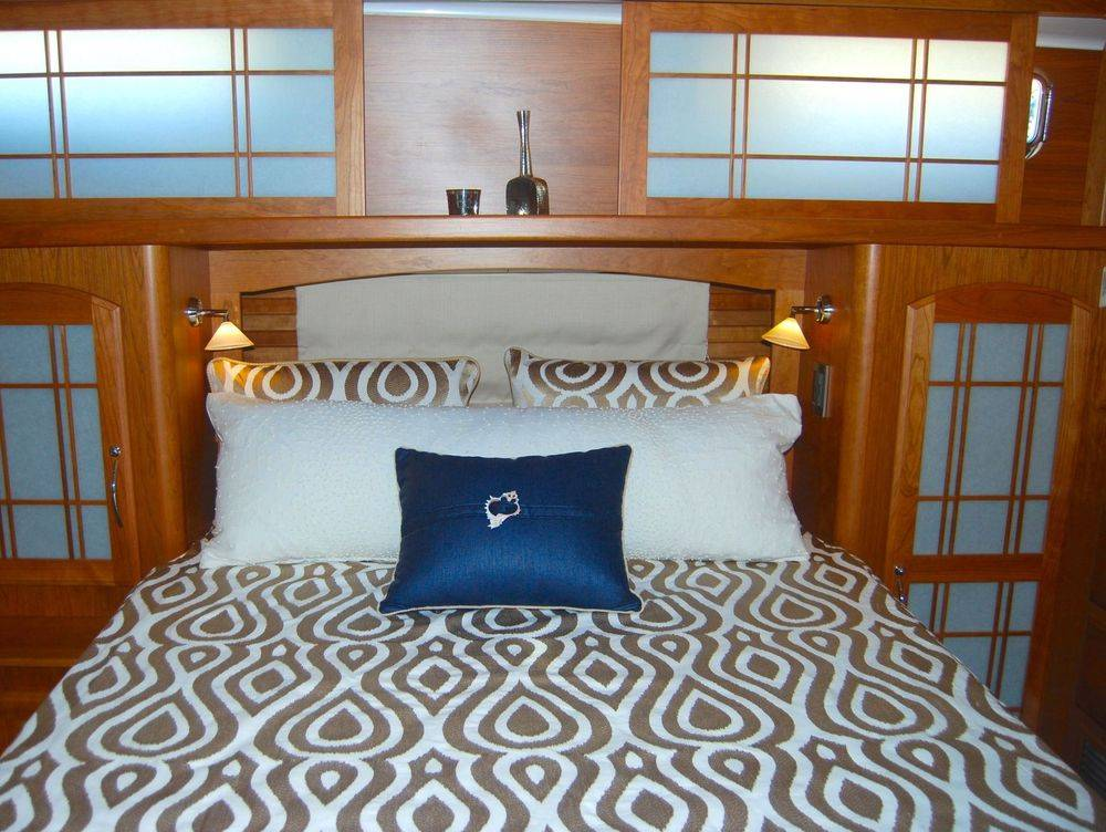 #Sabreyachts #NewportYachtInteriors #customyachtbedding #customyachtinteriors
