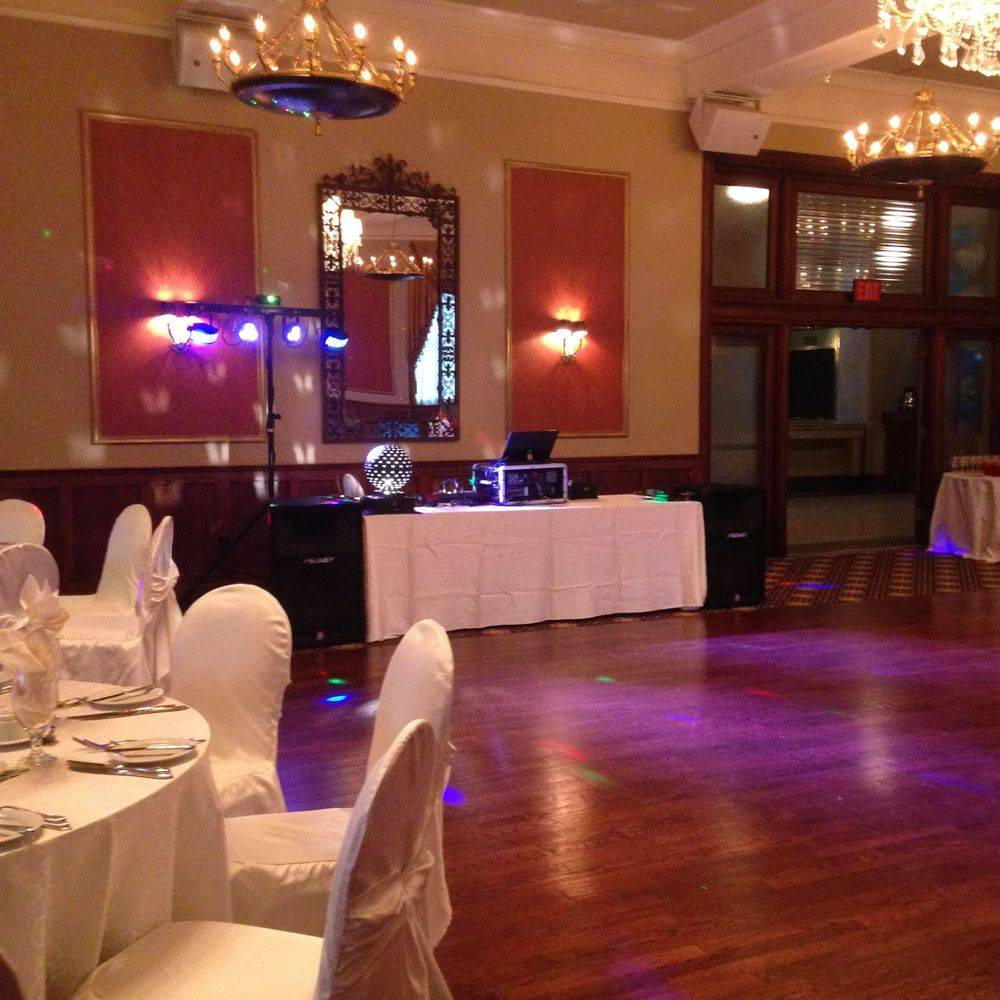 Wedding DJ Hamilton at Liuna Station