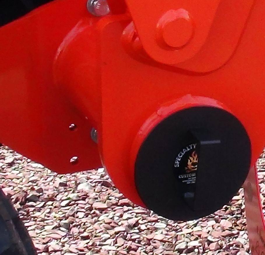 Kubota L2501, L3901, L4701 tube caps