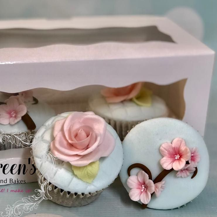 Pretty Birthday Cupcake Cake Rose Cherry Blossom Class