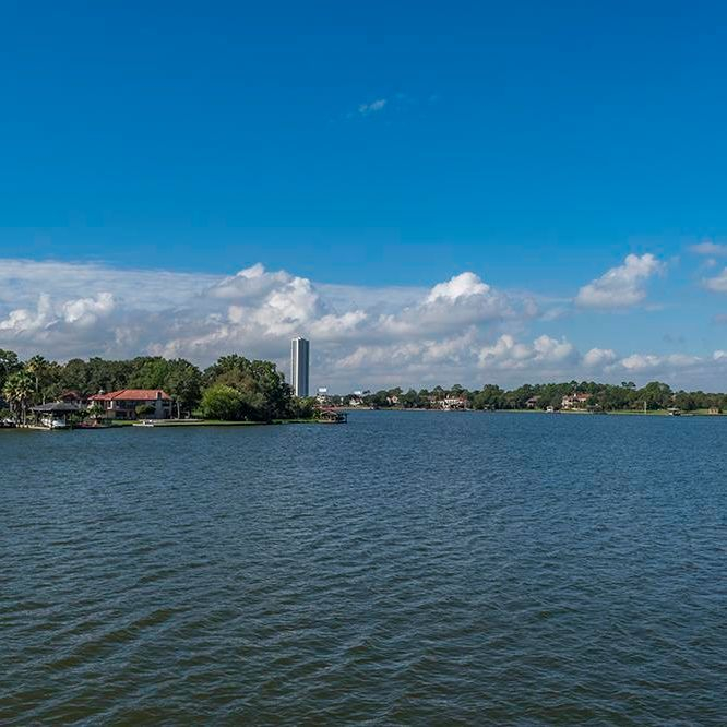 Clear Lake, apartments to rent on the lake, waterviews, home of the Johnson Space Center