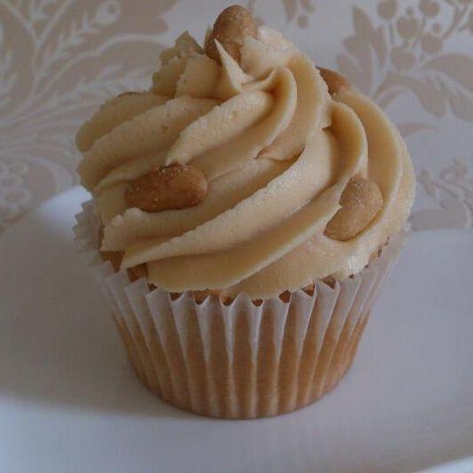Vegan Peanut butter cupcake vanilla sponge peanut butter icing