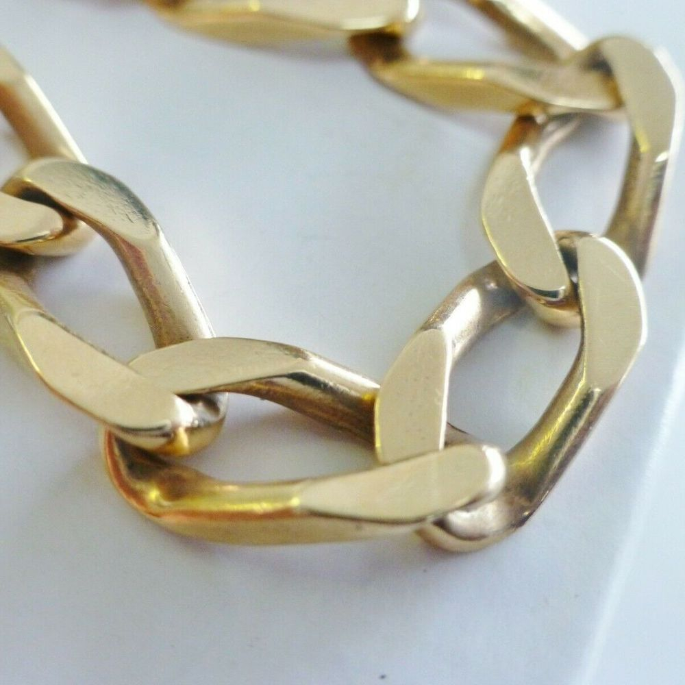Oval Concave Curb Link Bracelet in Yellow Gold