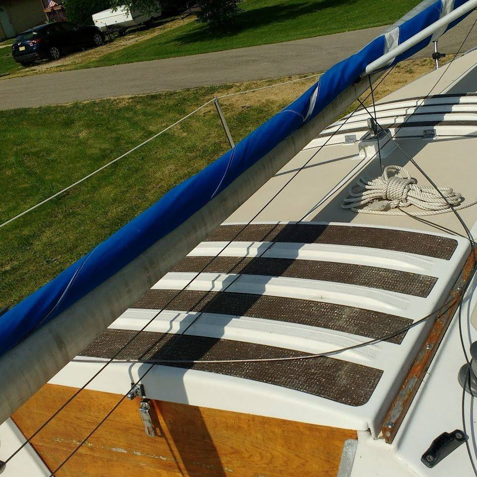1975 22' Chrysler Sailboat