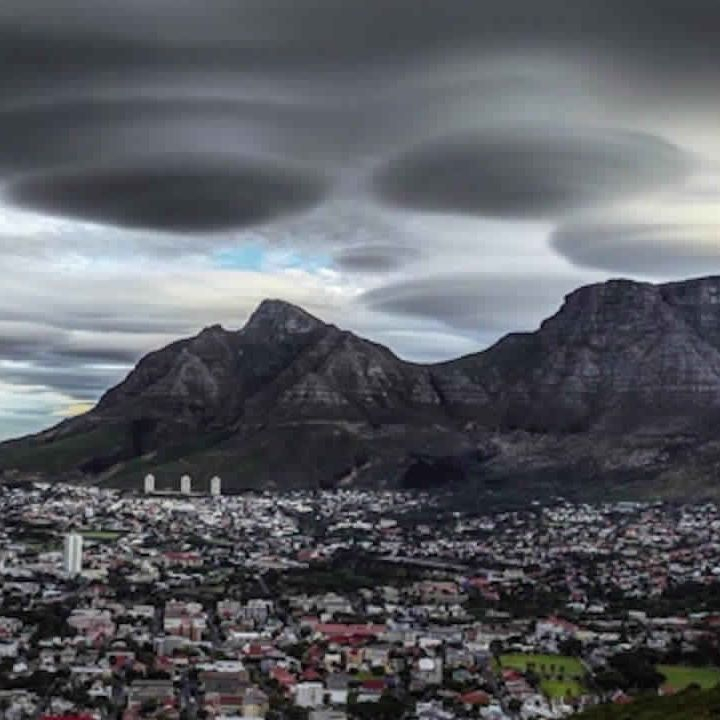 Les Extraterrestres Envahissent Le Monde