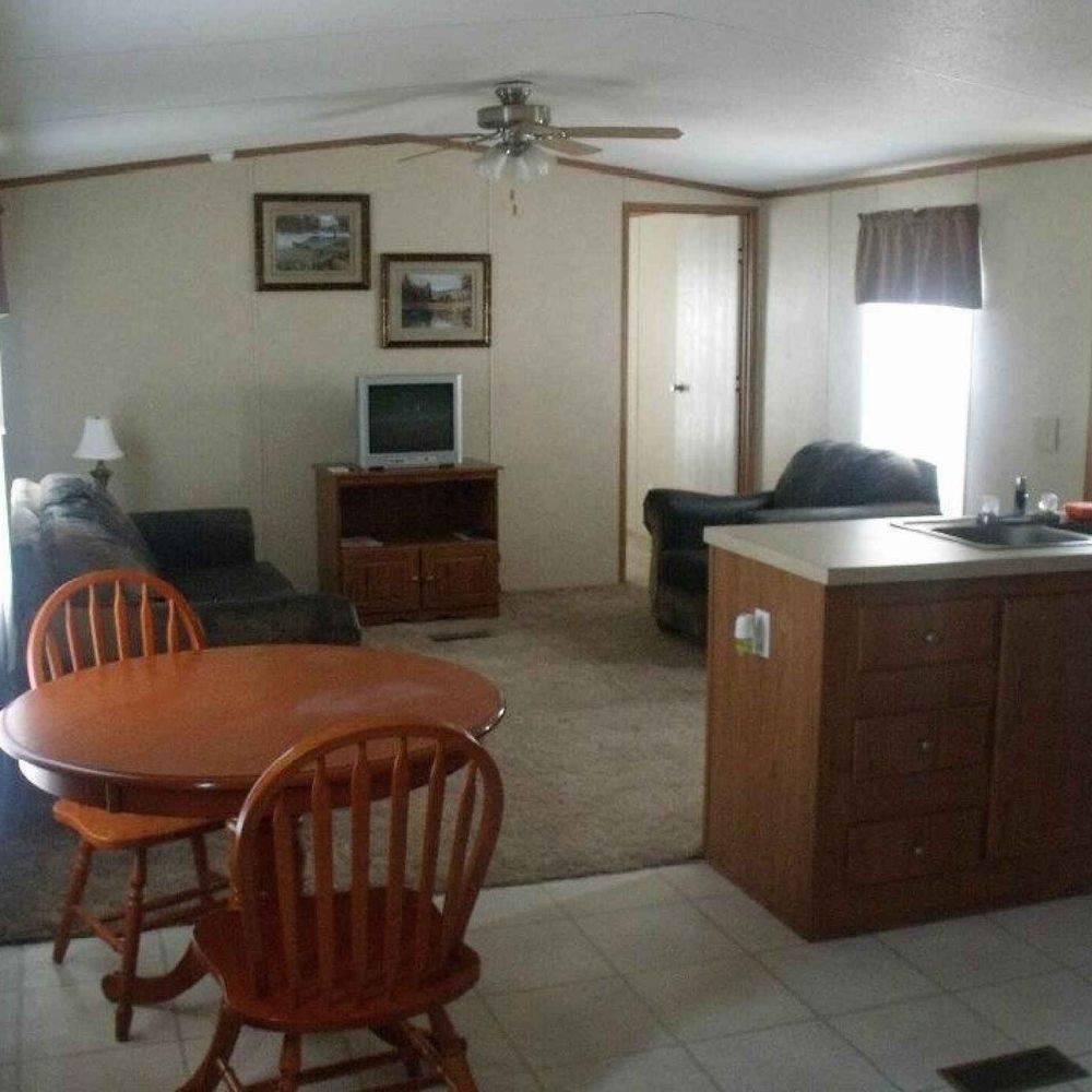 kitchen, bathroom, TV, bedroom, dining, ceiling fans, cabin