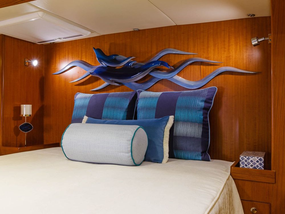, Hylas 70 Master stateroom luxury bedding and accessories #NewportYachtInteriors #customyachtinteriors #Customyachtbedding