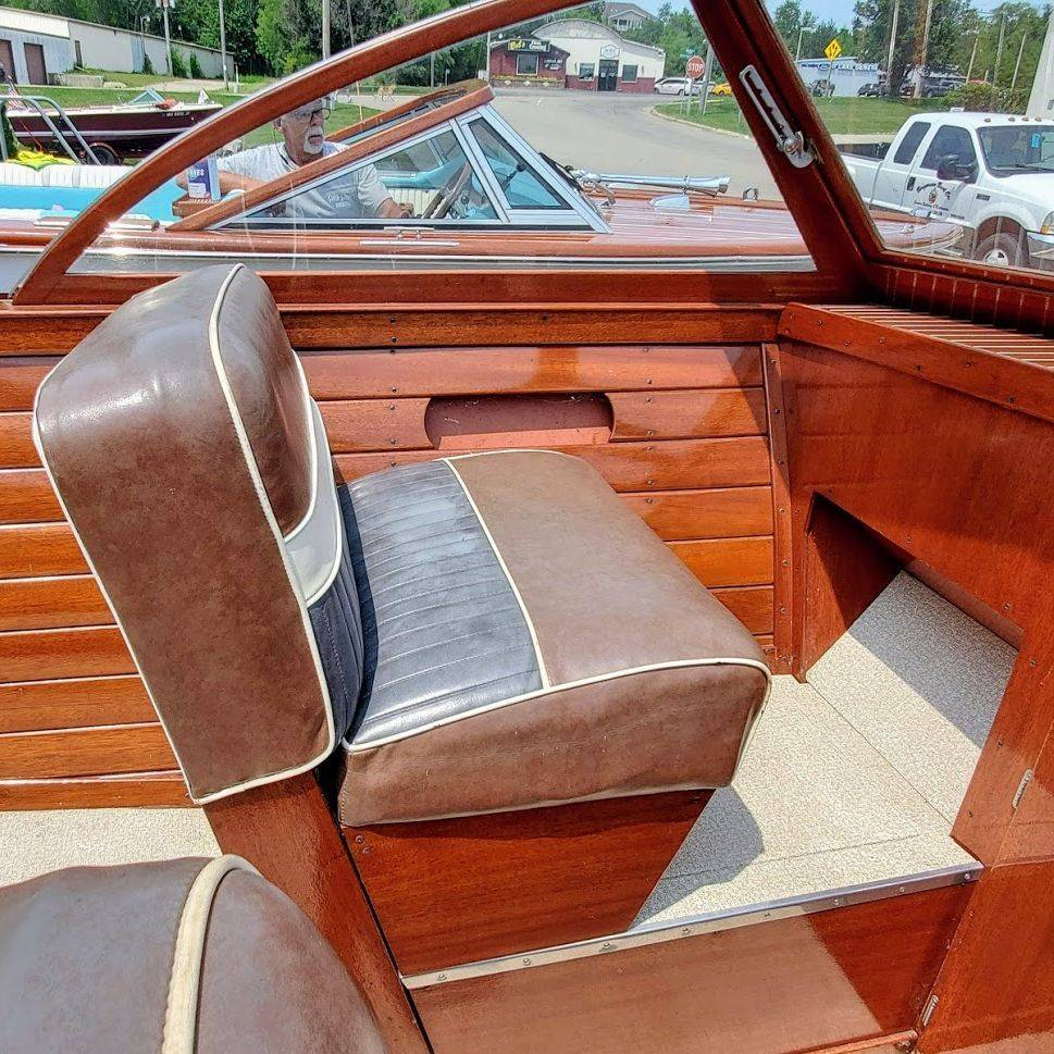 For Sale! 24' Chris Craft Sportsman for Sale in Lake Geneva, WI