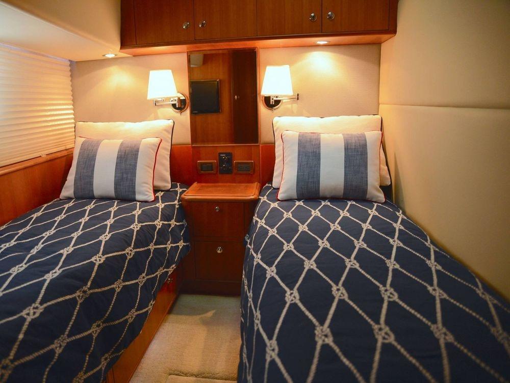 #nauticalbedding #customyachtbedding #customyachtinteriors #Huntyachts #NewportYachtInteriors