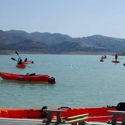 vinuela_lake