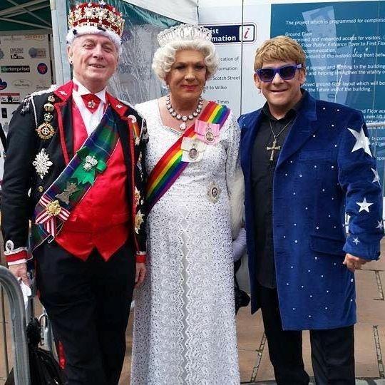 Elton John Tribute act  Andy Crosbie  Rocketman !4