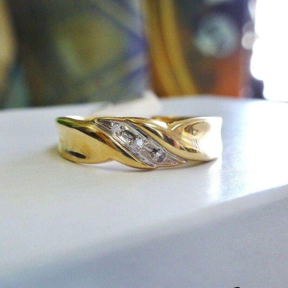 Men's Three Stone Diamond Slant Yellow Gold Wedding Band