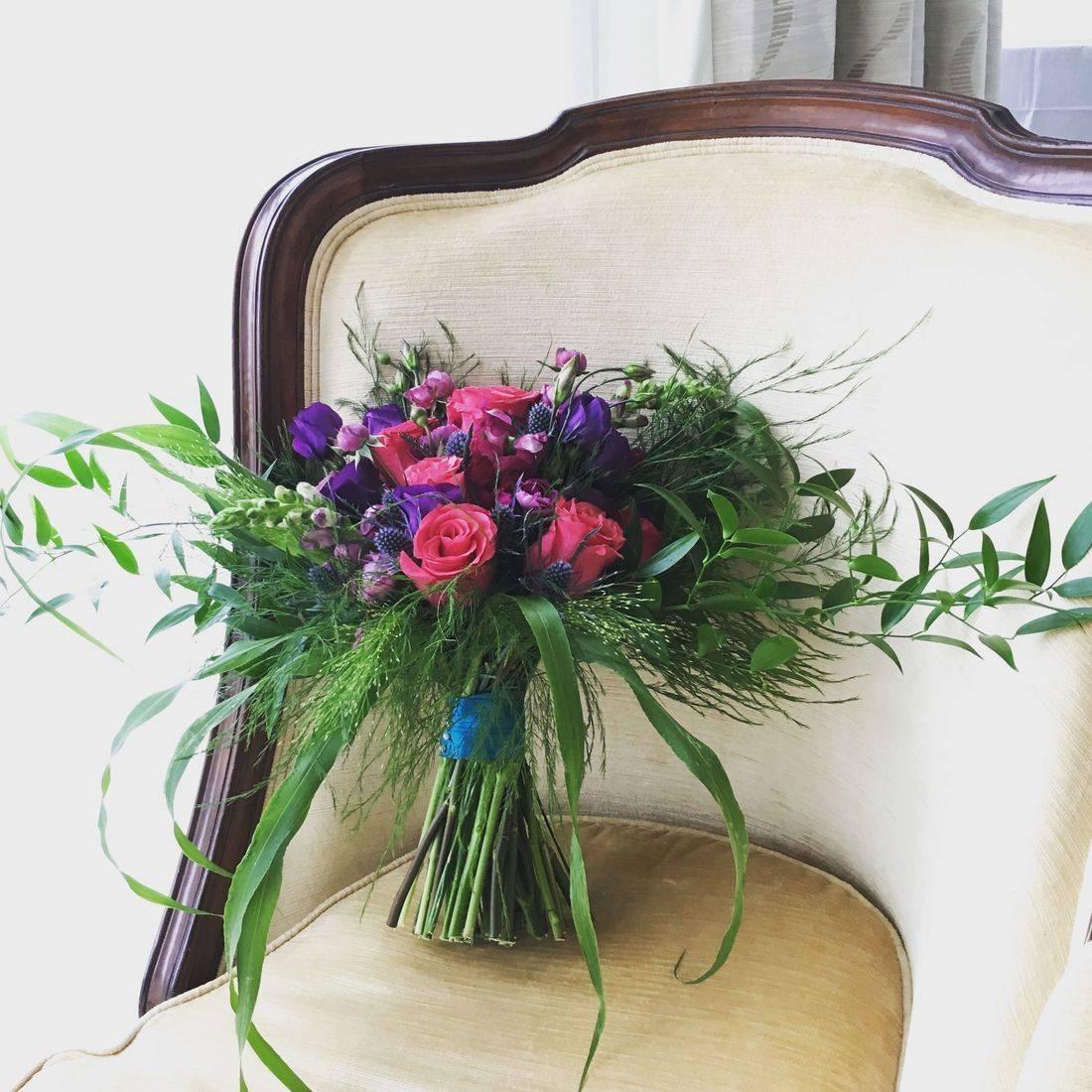 Natural unstructured bouquet, wedding florist, solihull, warwickshire, wedding stylist