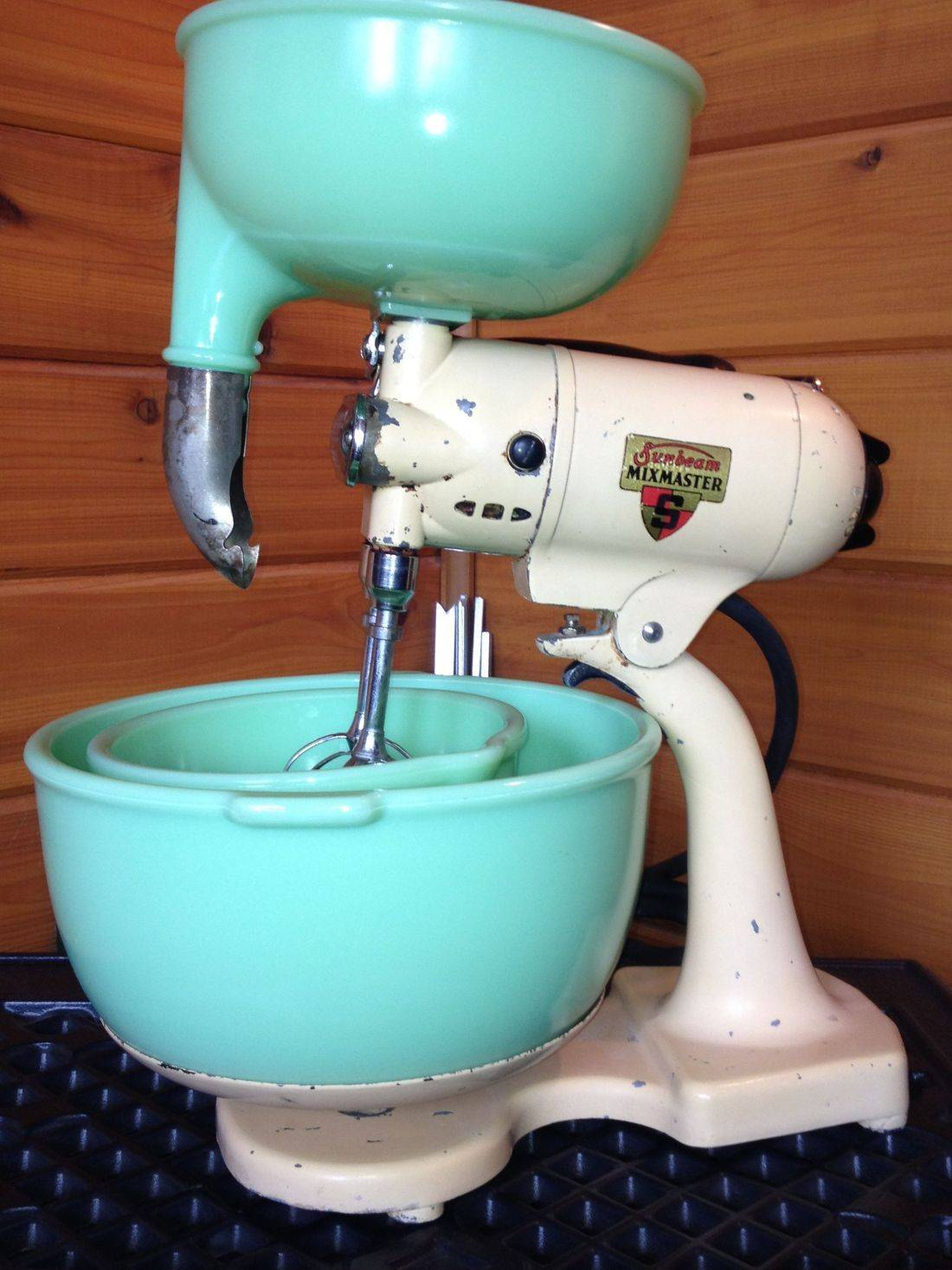 Vintage Sunbeam Mixer with Jadeite bowls and Juicer