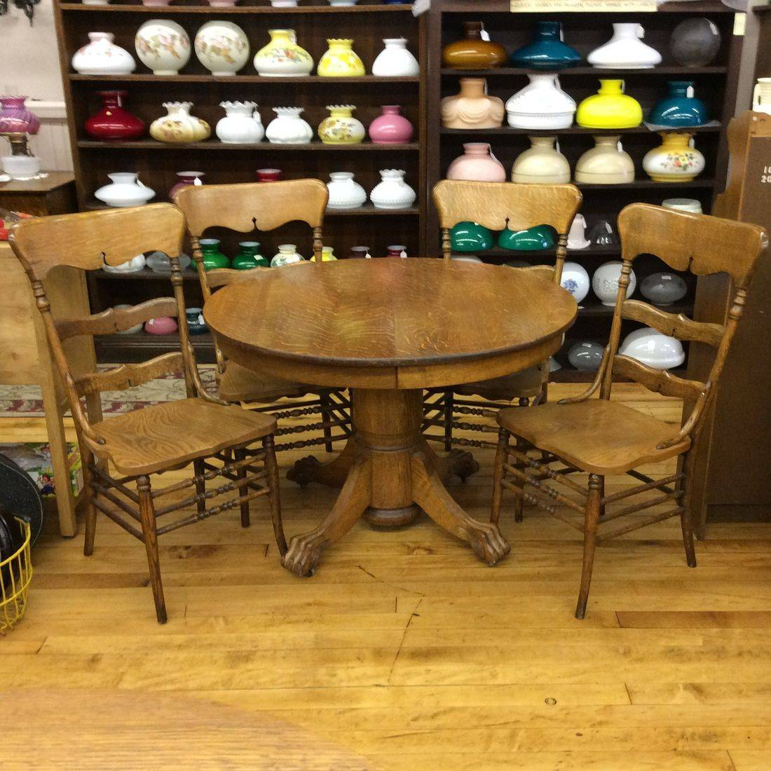 "Early 1900's Quarter-Sawn / Tiger Oak 42"" Round Table w/Carved Claw Feet and 4- Curved Back Oak Chairs   $399.00"