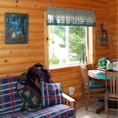 log cabins, hotels, lodging, Concrete, WA