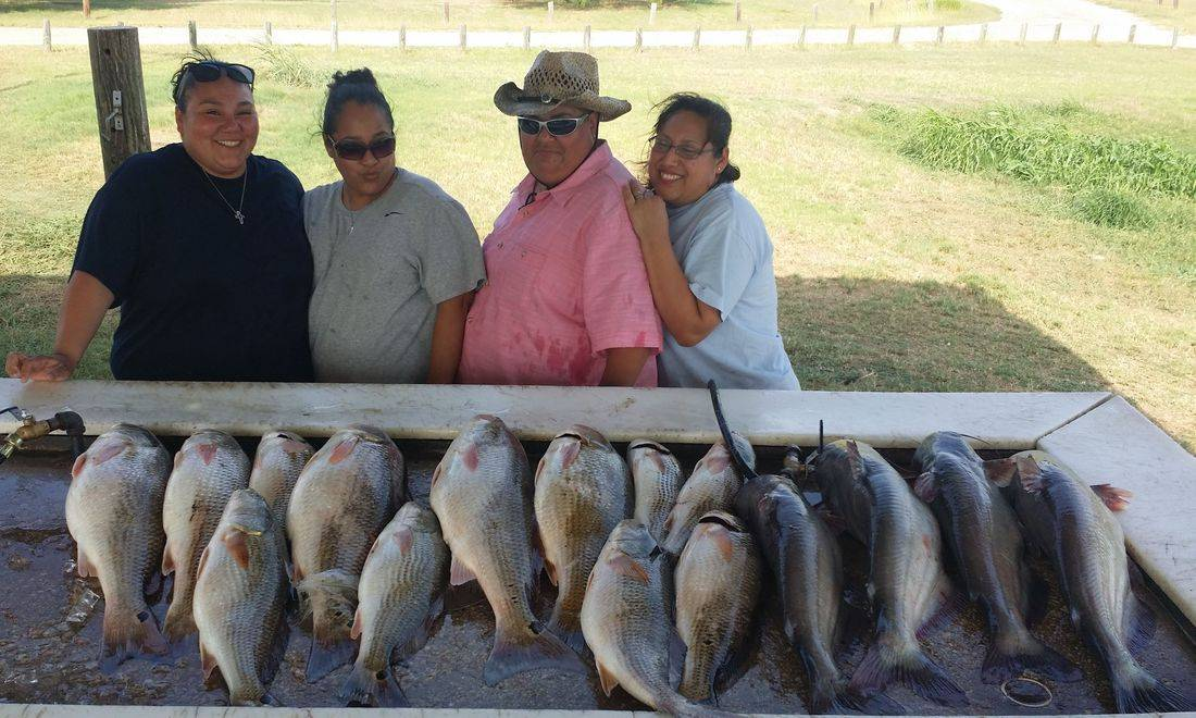 San Antonio Fishing, Blue Cat and Redfish fishing, Calaveras Lake