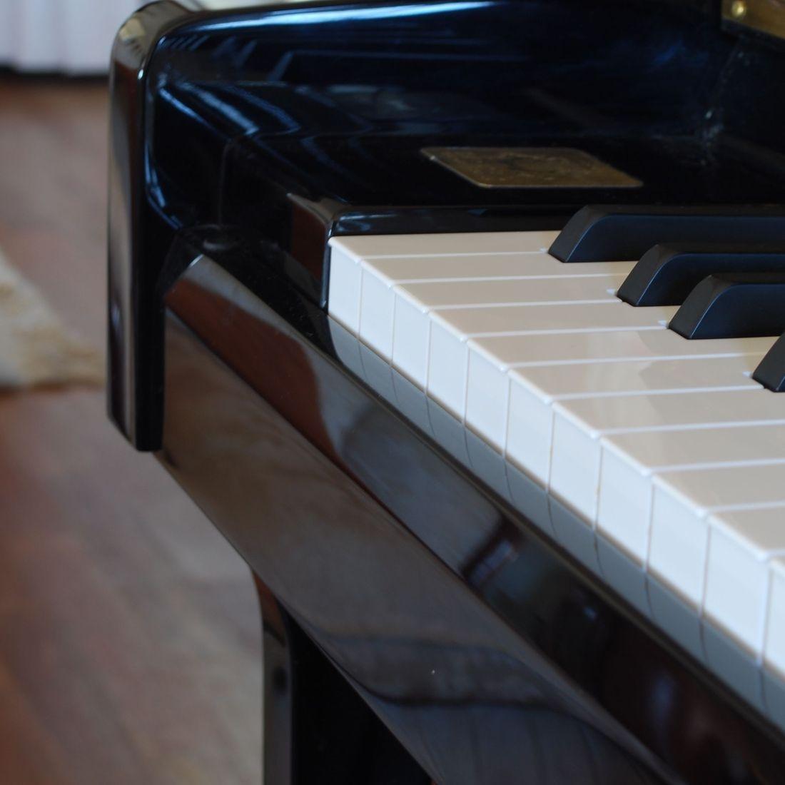 Piano removals Swidon