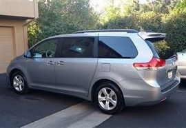 An Owner Operated Minivan from Napa Sonoma Wine Tasting Driver.