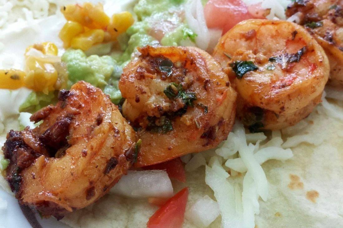 Camarones are shrimp.