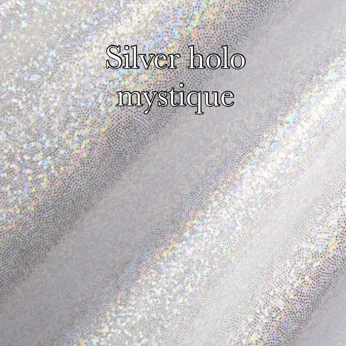 White  holographic mist