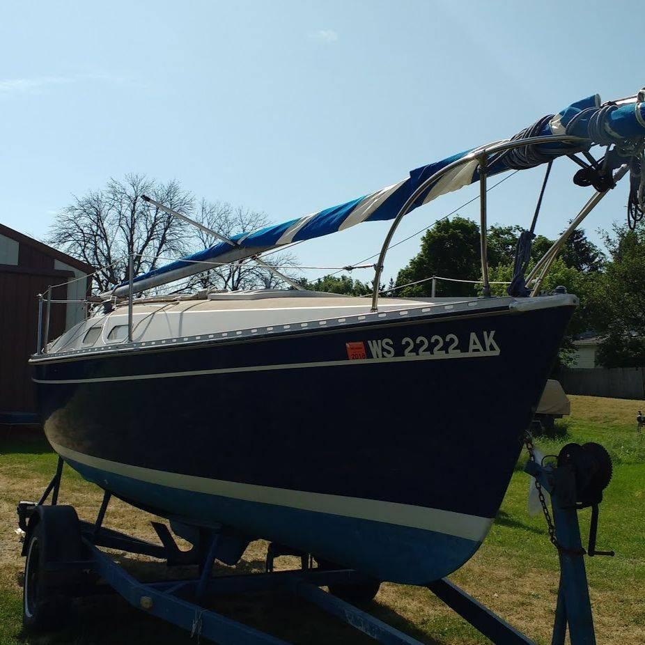 1975 22' Chrylser Sailboat