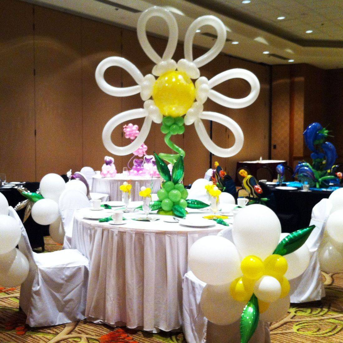 Organic Balloon Photo Op