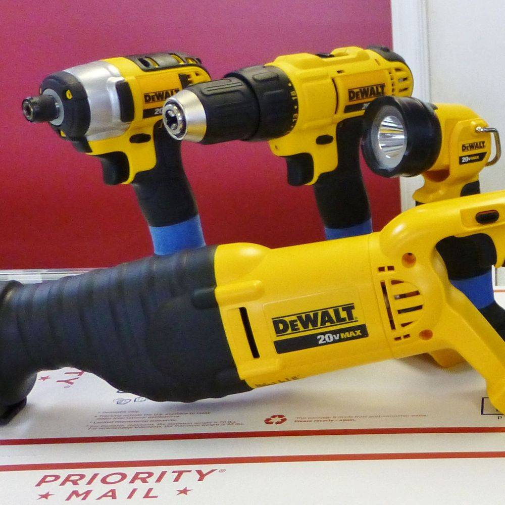 closeup picture of yellow and black dewalt 7pc 20V cordless tools