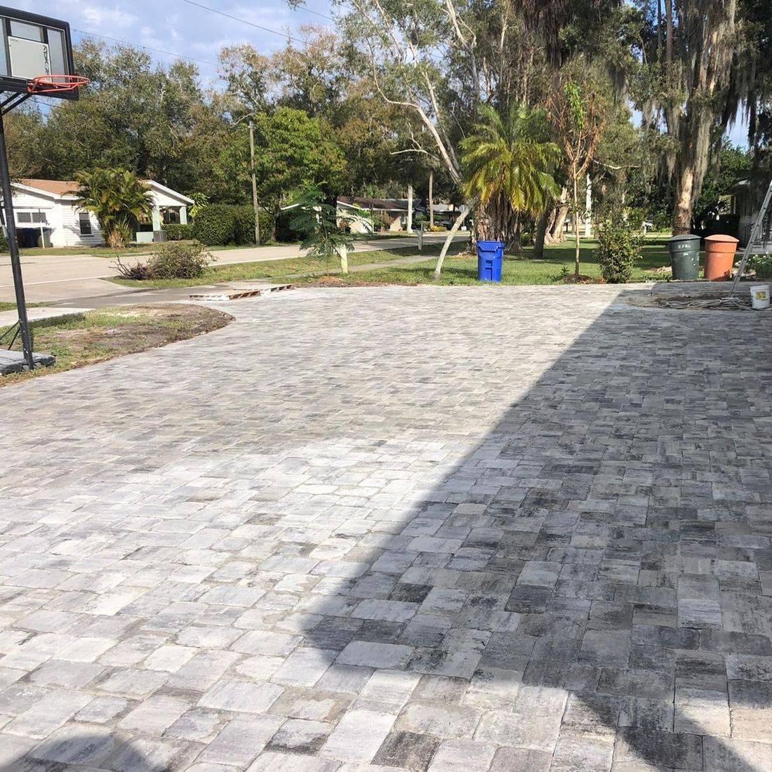 driveway pavers tricricle pavers white charcoal megastone