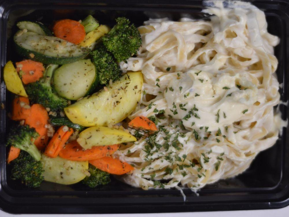Fettuccine Alfredo boxed meal
