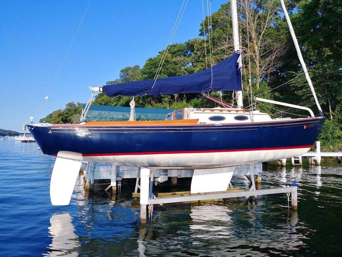 Alerion Express sailboat for sale