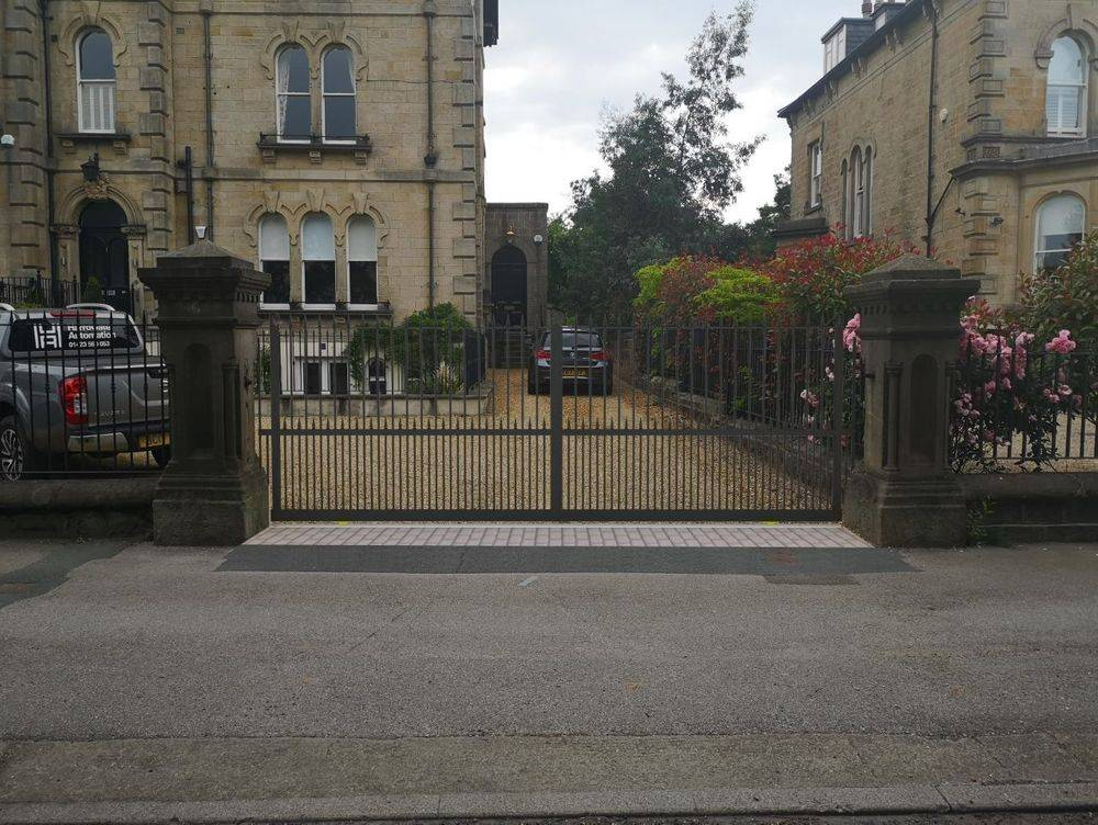 Automatic Gate Planning Services Leeds Harrogate York