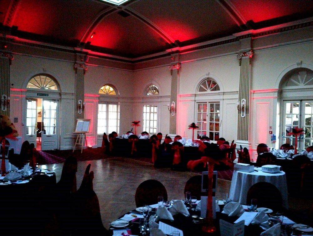 Red uplighting in the Windsor Suite at the Royal Clifton Hotel, Southport - Glynn Tee - Southport DJ