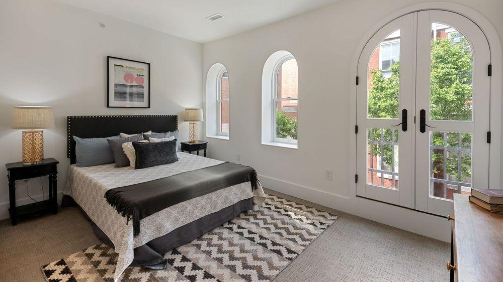 Beautiful Newly Renovated Bedroom
