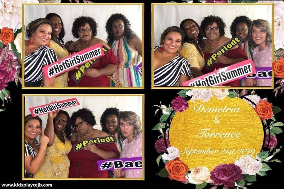 photo booth; rentals; christmas; office party; ideas; new years; party