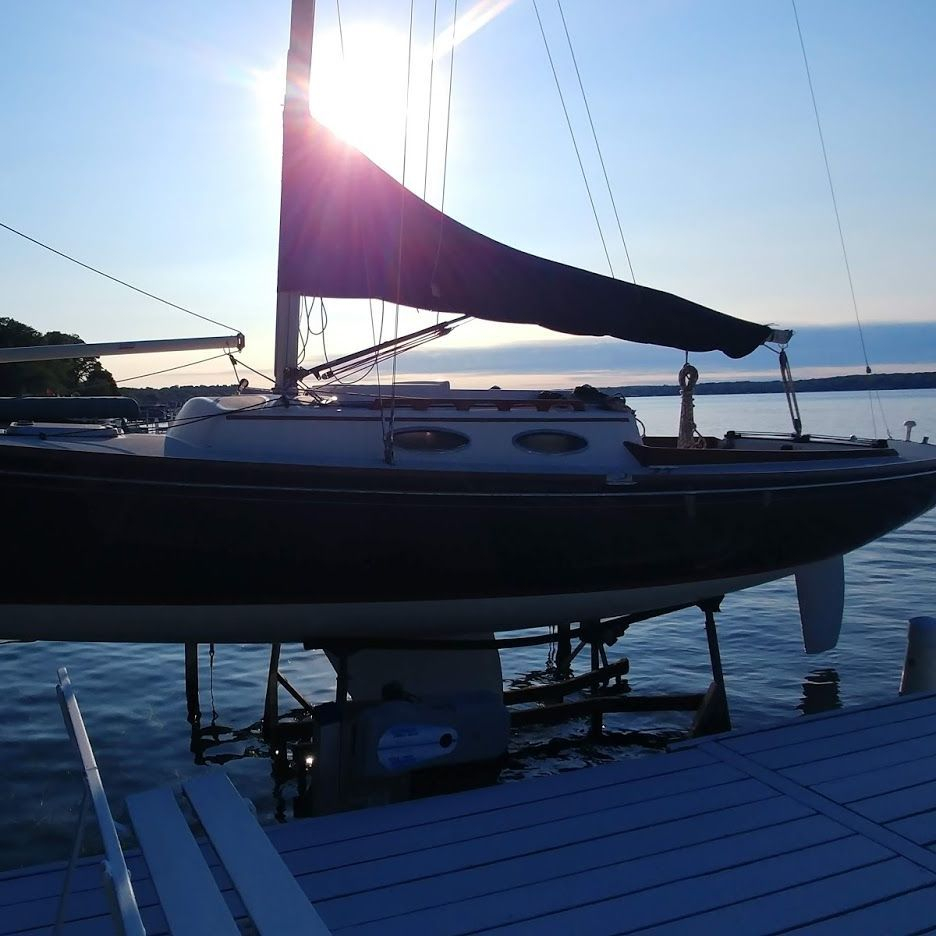 28' Alerion express for sale