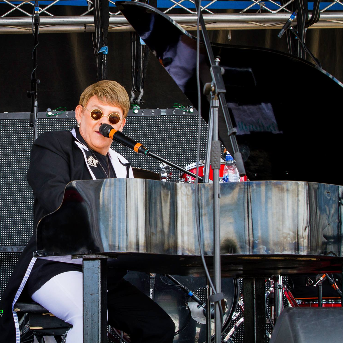 Elton John Tribute act  Andy Crosbie  Rocketman ! stage
