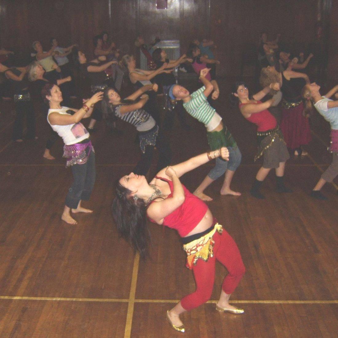 Earthmoves creative dance tuition energy joyful