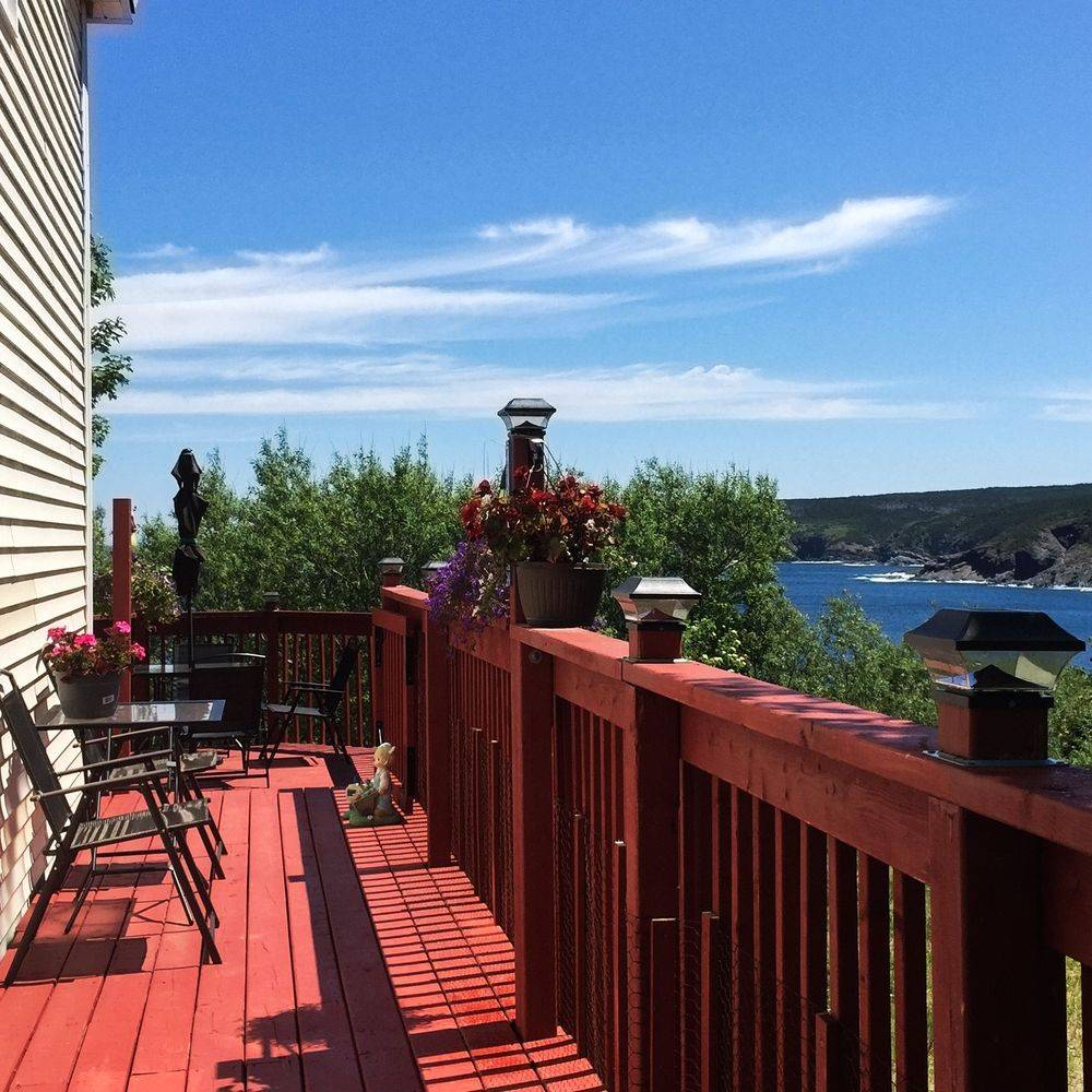 House Guide To Murray House Vacation Home, Pouch Cove, Newfoundland, Canada