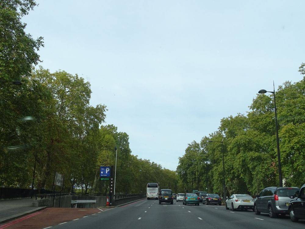 park lane london ,whitewashed apartments in london uk ,terraced apartments in london uk ,london heritage architecture ,redbrick buildings london ,apartments in london ,m25 uk's busiest motorway ,hyde park ,london united kingdom, walking on a fine autumn day in london, british & far east traders