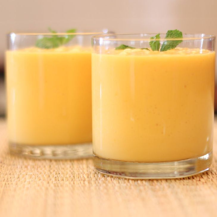 mango smoothie recipe with yogurt