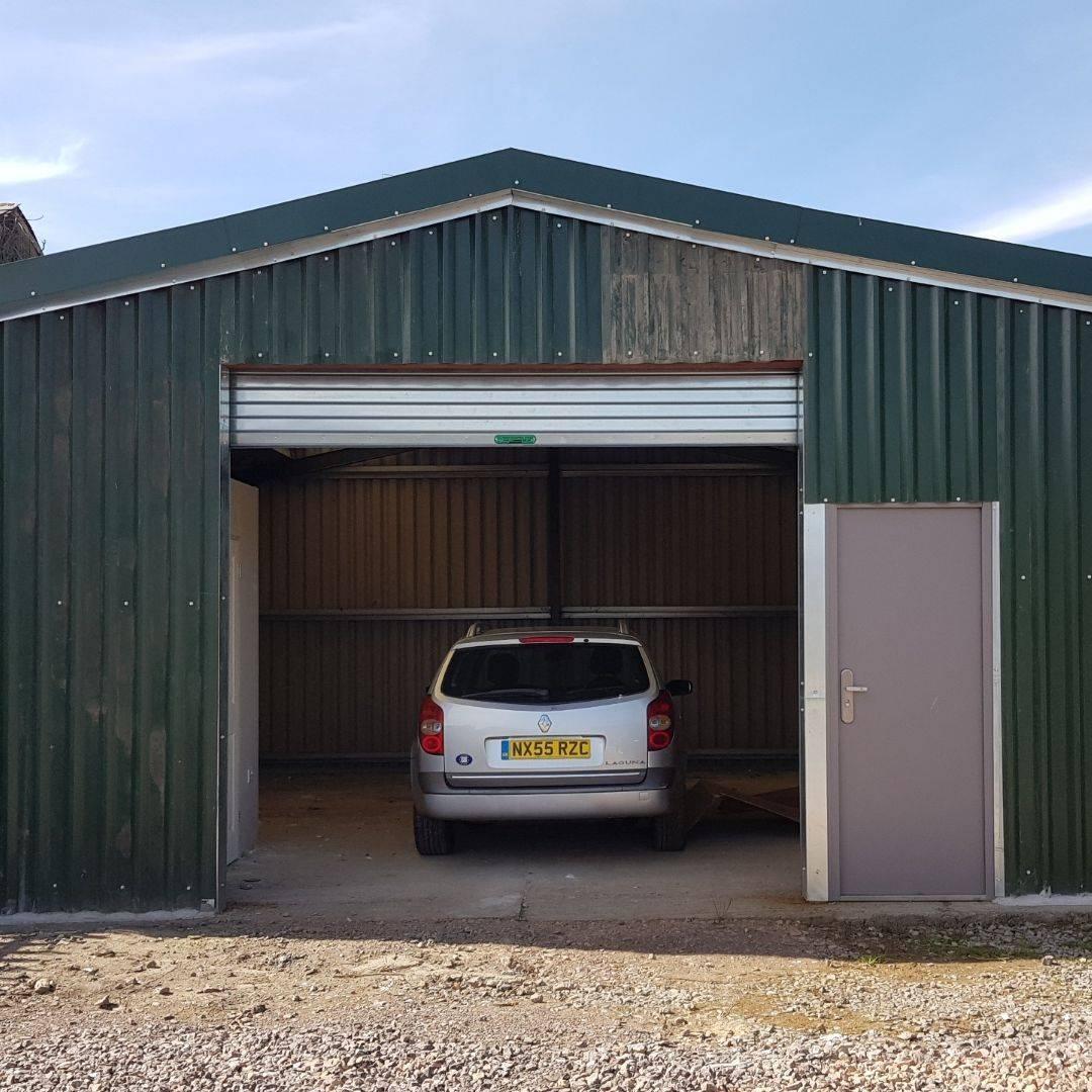 Renault Laguna, workshop, roller shutter, garage, Martock