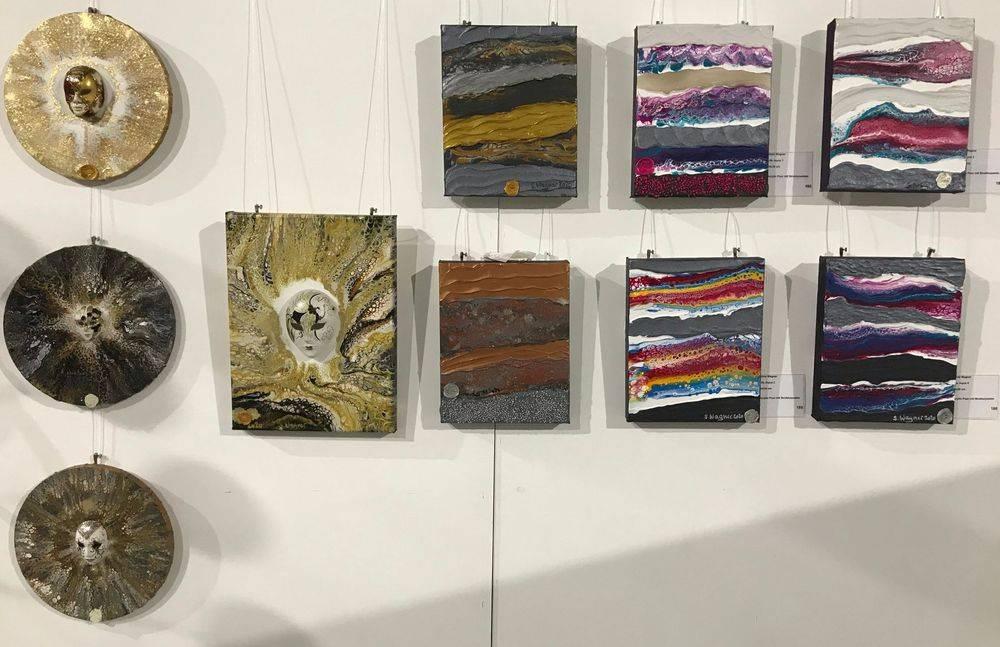 Silvia Wagner Art, Kunstausstellung, Kunst kaufen, Schweiz, Kunst, Ohne Kunst wird's still, Acrylic Pour, Strukturpasten, Kunst erwerben, Unikat, Venedig, Maske
