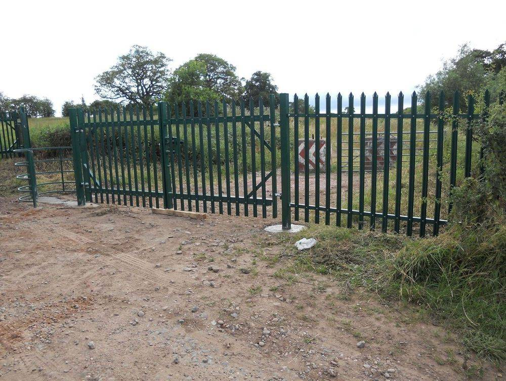 Security Fencing All aspects of security fencing covered from palisade to 358 anti climb mesh and installed nation wide.