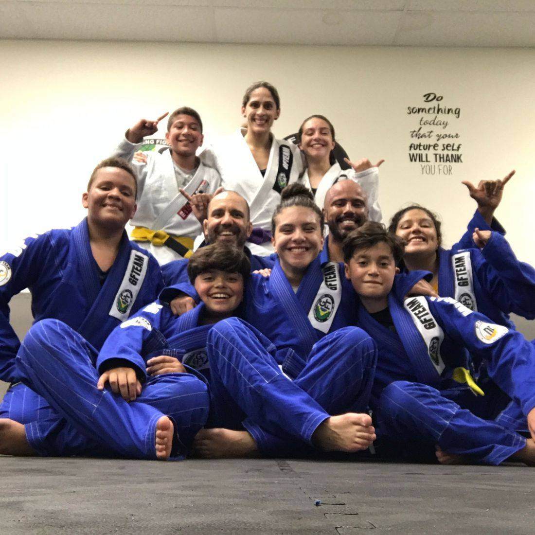 We provide to our  members all the benefits of our art through the routine and daily practice of Jiu Jitsu.  Classes for KIDS (4 to 9 years old) and adult all levels. Jiu Jitsu is a beautiful art