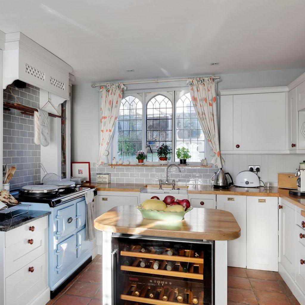 Shaker Hand Painted kitchen