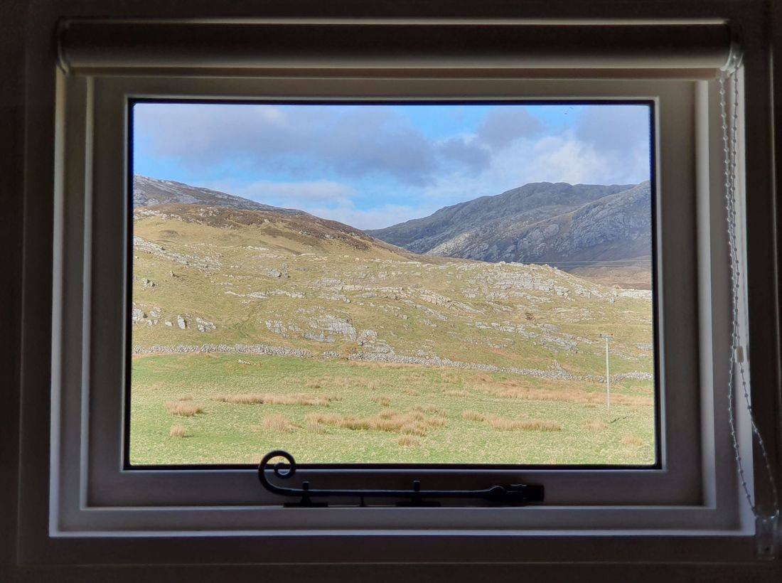 Shepherds hut with amazing view in Inchnadamph